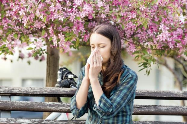 doenças-da-primavera-mulher-com-alergia-nas-flores-coracao-e-vida-roberto-kalil