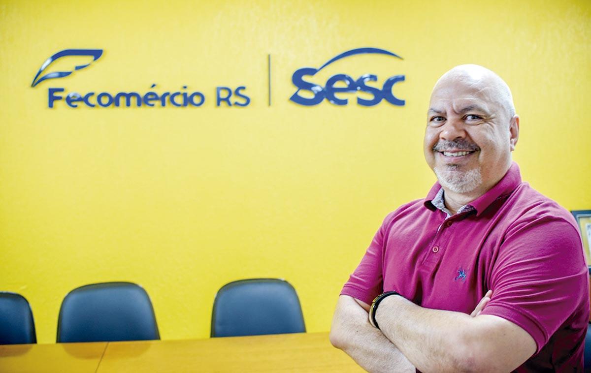 """""""Santa Rosa não pode reclamar que não existem eventos culturais"""", diz Edson Flores de Campos"""