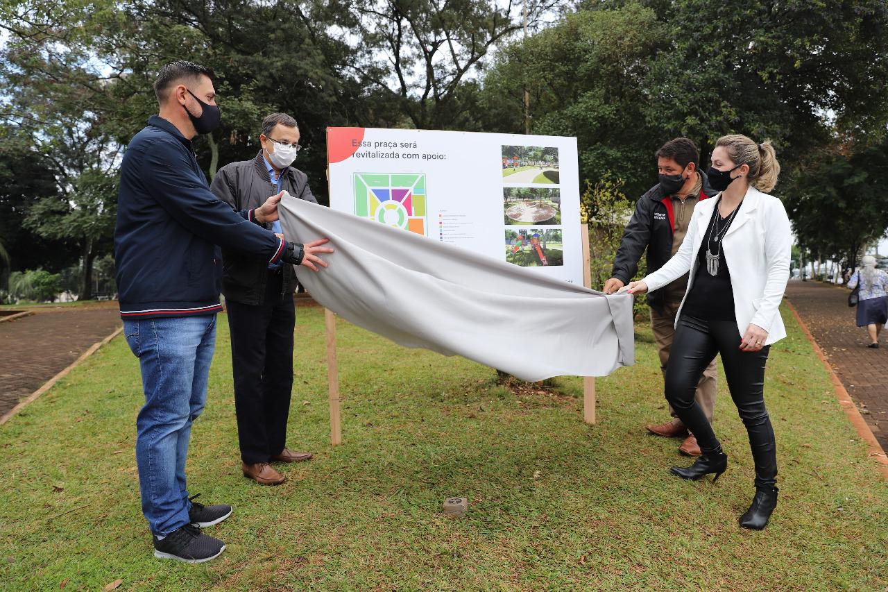 Praça Pedro Schwertz será revitalizada através de parceria entre entidades e empresas